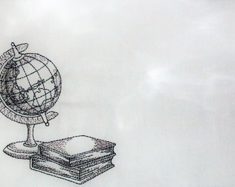 Globe & Books embroidered quilt label to personalize with your own message