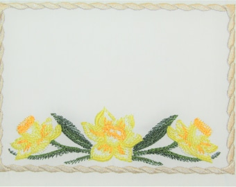 Yellow Daffodils embroidered quilt label to customize with your personal message