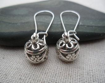 Silver Boho Dangle Earrings - Bohemian Drop Earrings - Silver Bali Earrings - Simple Everyday Silver Earrings -