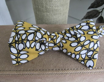 Yellow and Black Bow Tie, Man teacher's gift, Father's Day gift, Adjustable self tie bow tie, Graduation gift