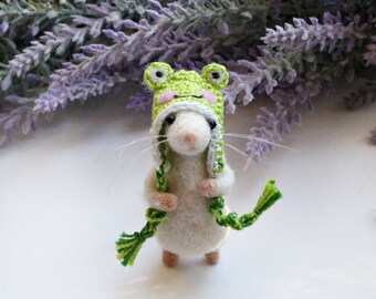 Needle felted Mouse in frog hat