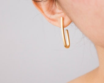 Paperclip -earrings (16K gold plated geometric post hoop)