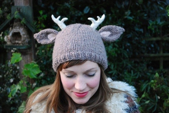 deer with little antlers hat KNITTING PATTERN  5ec230584d7