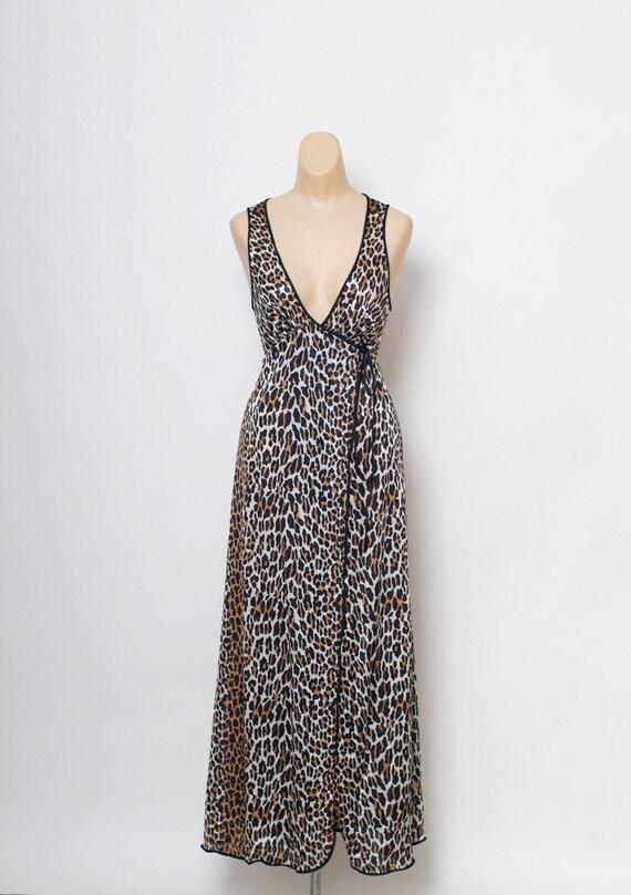 vintage 60s Nightgown / 1960s Lingerie / Animal Pr