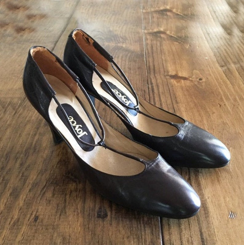 80s Joyce Heel Pumps  Leather Mary Janes Vintage Shoes Brown Leather  80s joyce  womens 9 pump  80s heels  Mary jane shoes   Pumps