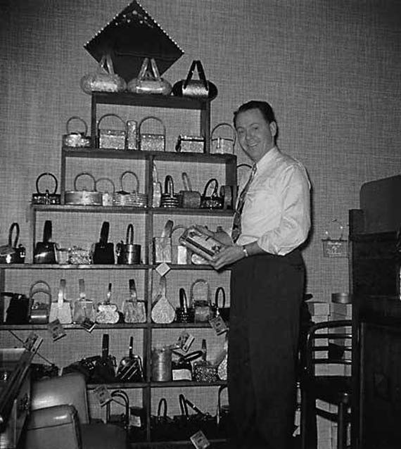 Vintage 1950s Wilardy Purse /  Lucite  / Dark Gra… - image 6