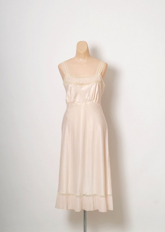 40s 50s vintage nightgown / peach nightgown / vint