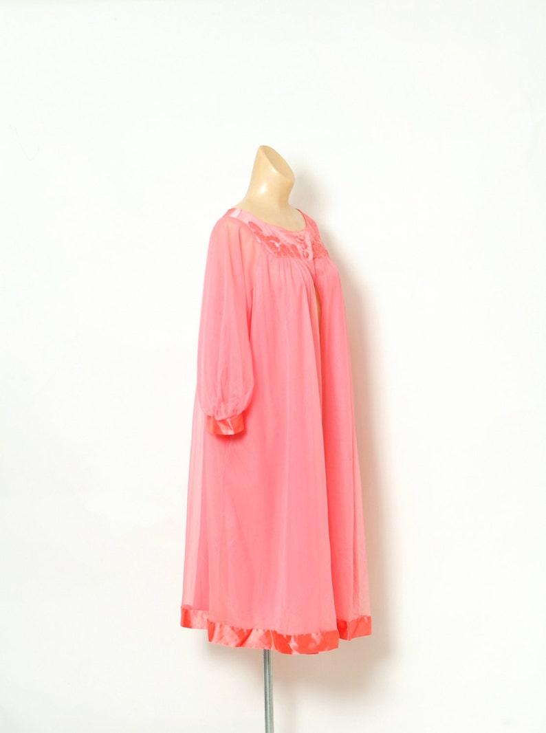 Vintage robe  Retro  Vintage nightgown  Vintage   Vintage Lingerie  Robe  60s Robe  Burlesque  Pinup Robe  Pink  50s  vintage