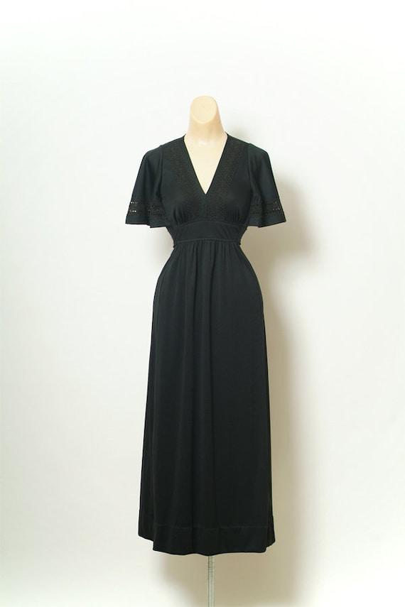 70s Vintage Dress / Vintage 70s black dress / Godd