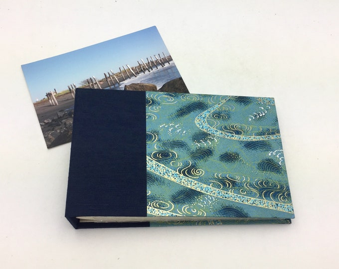Mini Photo Album for 4x6 Photos / Title Card Available