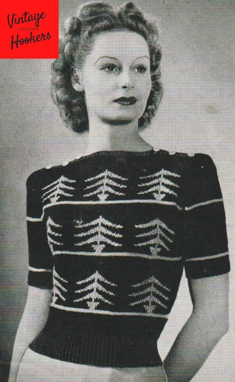 Fir Tree Short Sleeve Boat Neck Pullover Sweater with Button Fastening at the Shoulder Vintage Knitting Pattern Chest 34