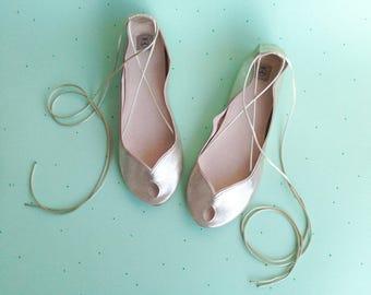 Wedding Shoes Flats. Bridal Shoes. Bridal Low Heel Shoes. Bride Gift. Bridesmaids Gift. Peep Toe Flats. Gold Shoes. Leather Ballet Flats