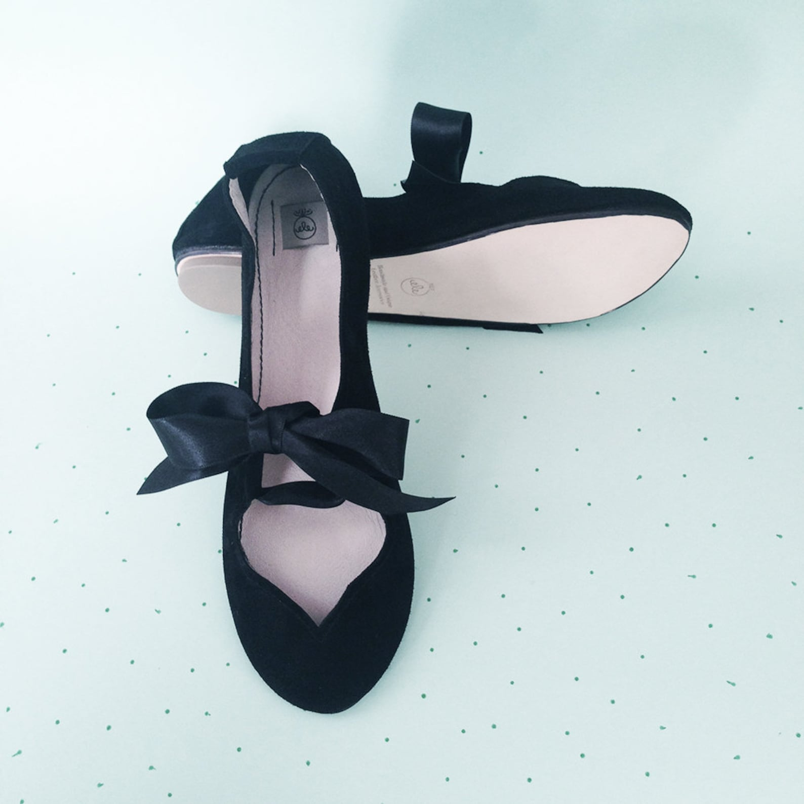 ballet flats with ribbon. black shoes. black ballet flats. women shoes. mary jane shoes. bridal shoes. flat wedding shoes. balle