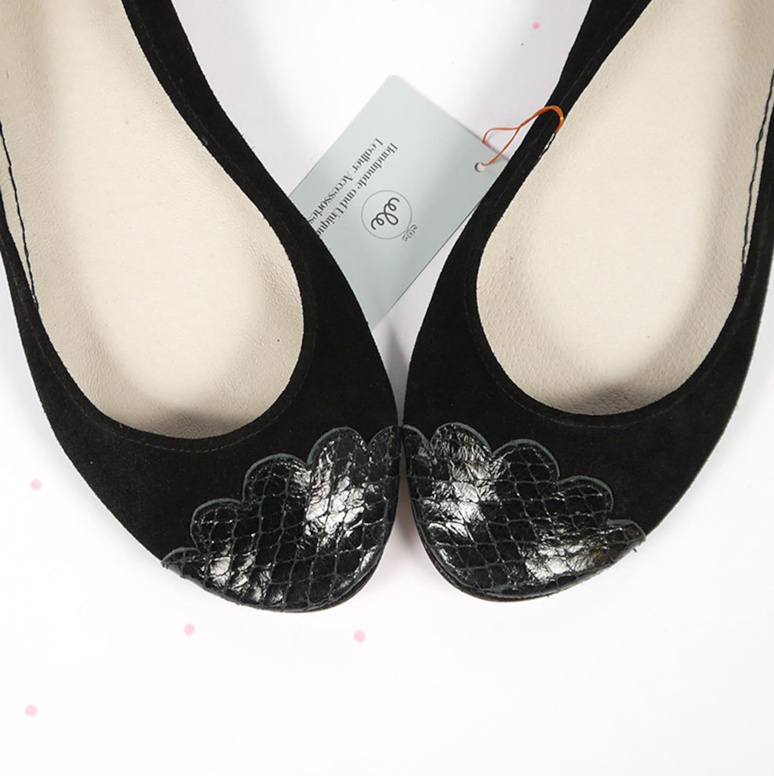 ballet flats shoes. black leather flats shoes. black handmade shoes. women flat shoes. snake scalloped toe ballerinas. comfortab