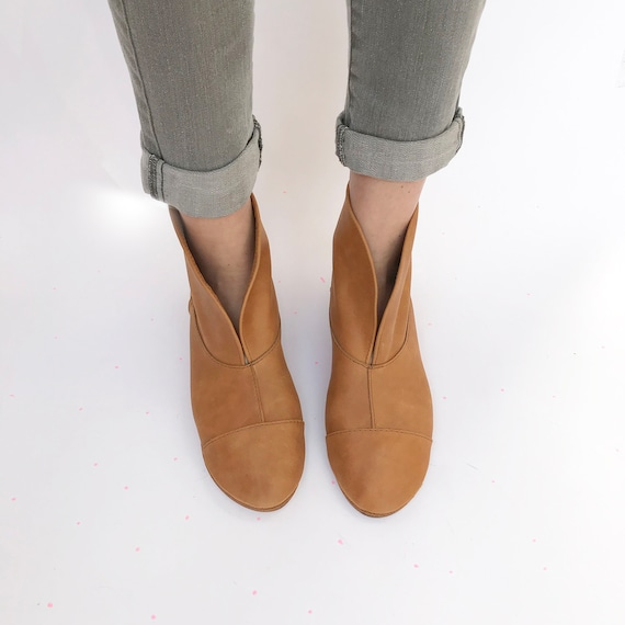 Bottines femme en cuir Camel, faible talon Boho doux santiags, Elehandmade chaussures