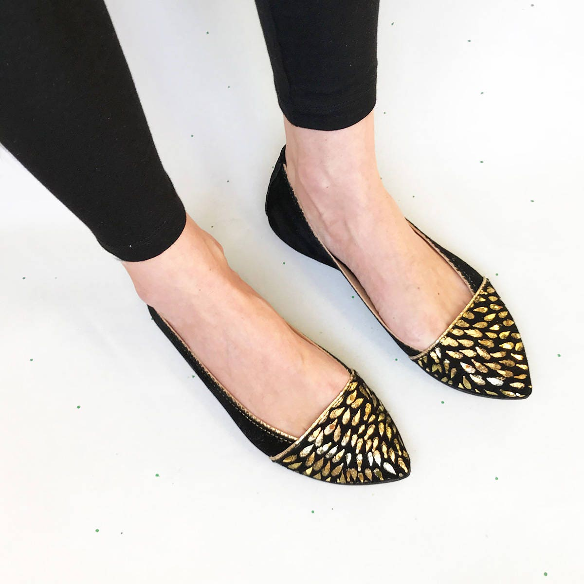 D'Orsay Pump Shoes. Pointy Ballet Flats. Pointed Pointy Shoes. Pointy Flats. Pointed Flats. Toe Shoes. Black Ballet Flats. Party Shoes. Gold and Black shoe 915167