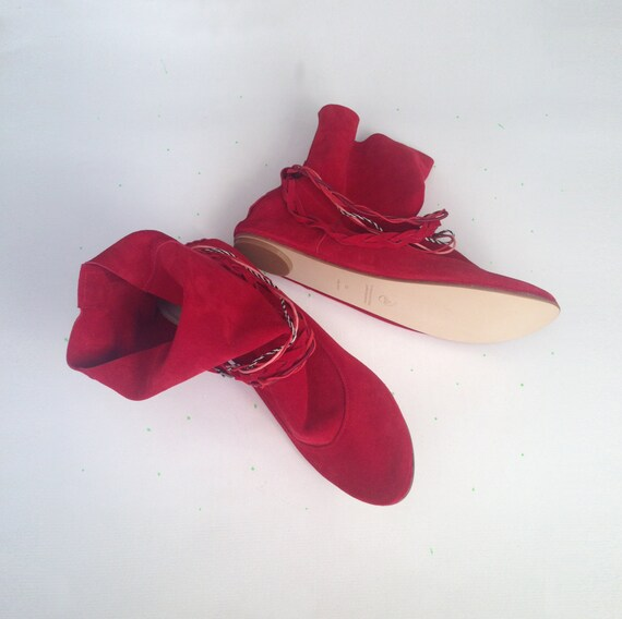 Stiefeletten. Frauen Lederstiefel. Boho Stiefel. Rote Booties. Coachella Outfit. Italienisches Leder. Stammes Stiefeletten. Gipsy Kleidung. Ethnic
