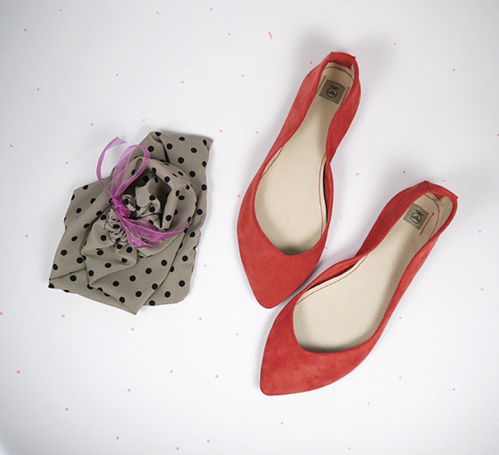 red ballet shoes. pointy shoes. ballet flats. pointy red shoes. red leather shoes. handmade ballet flats. handmade shoes. red po