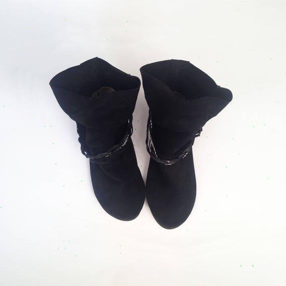 Zwarte enkellaars. Vrouwen zwart lederen laarzen. Zwarte Boho laarzen. Zwarte laarsjes. Italiaans rundleder. Tribal enkellaars. Gipsy laarzen.