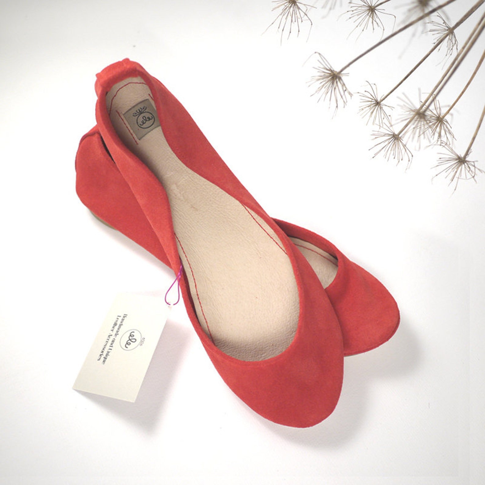 red ballet shoes. flats shoes. bridal shoes. wedding shoes. red handmade flats. pointe style shoes. red flats shoes. italian lea
