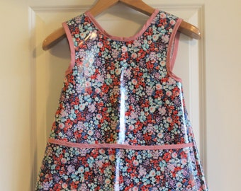 Criss Cross Back Long Girls Art Smock Art Apron in Navy with Summer Flowers