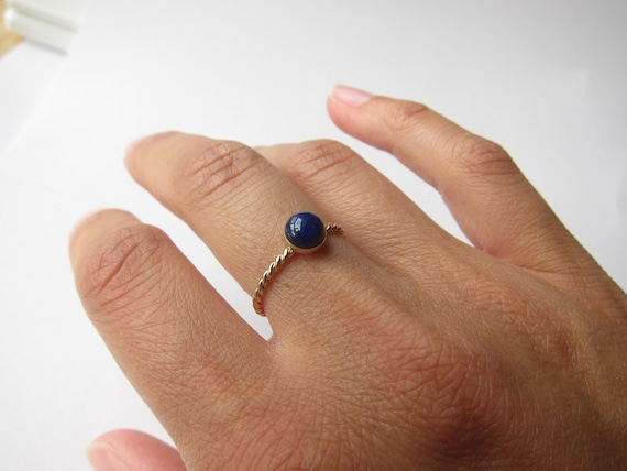 Nathis Beautiful and simple ring with lapis gemstones