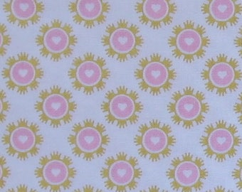 Wonderland 2 Crowns White Sparkle Fabric -Riley Blake SC5772