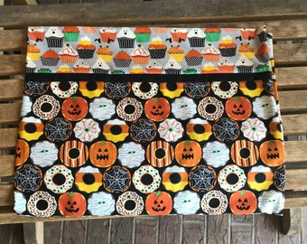 Novelty Themed Pillowcase - Halloween Creepy Crullers
