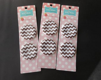 "Riley Blake Sew Together 1.5 "" Matte Round Chevron Buttons - Brown"