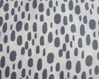 Moda - Serenity Dot Whisper by Amy Ellis for Moda Fabrics 3527 11 Stone