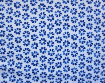 Sweetwater Fabric - Harmony White Sky  Novelty Petals Light Blue - 569415