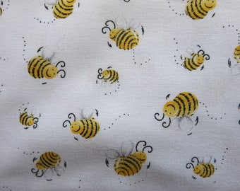 9.99 A Yard - Susy Bees - Bee Fabric - SB20197