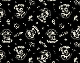 Harry Potter - Black Tossed Assets Harry Potter 23800128-2 - Camelot Collection - Hogwarts