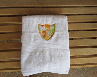 CTR White Towel - Balloon Applique
