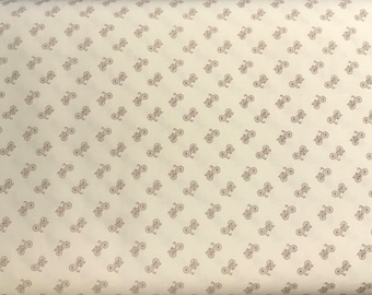 Riley Blake - Bee Backgrounds By Lori Holt Bicycle Gray/Grey - C6389