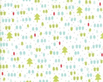 Vintage Holiday - Bonnie and Camille Seasonal  Christmas Trees White - 5516318 End Of Bolt 1 1/3 Yards Plus Mini Bolt & Clip