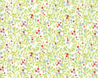 End of Bolt 1/4 Yard - Bonnie Camille Vintage Holiday - Bonnie and Camille Seasonal Christmas  Winter Berries White - 5516118