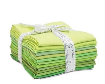 Bella Solids AB 12 Green 9900AB 123 Moda Precuts Bella Solids - Fat Quarter Bundle -  Luck of the Irish - Quilt Pattern Included