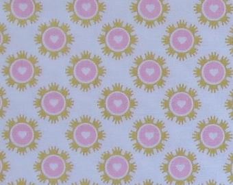 Wonderland 2 Crowns White Sparkle Fabric -Riley Blake SC5772