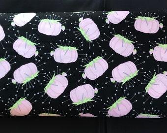 End Of Bolt 1/2 Yard - Riley Blake - Paperdoll Pincushion Fabric - C7562 - Pin Cushion