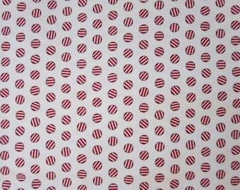 Moda - Cookie Exchange - 562222 - The Cookie Exchange Vanilla Red- Seasonal Christmas Peppermints Red