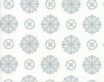 Bonnie Camille Vintage Holiday -  Bonnie and Camille Seasonal Christmas Snowflakes Grey  55166 18M