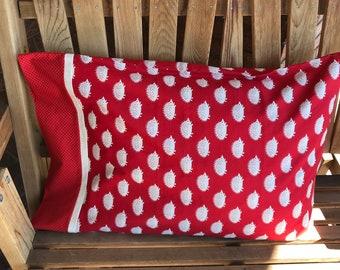 Novelty Themed Pillowcase - Hedgehogs