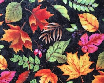 Wilmington Prints, Happy Gatherings 32055 978 - Tossed Leaves
