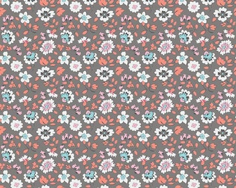 Sue Daley - Paper Daisies  For Riley Blake - C8883 Floral Gray