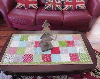 Homemade -  Christmas Table Runner - Holly's Tree Farm