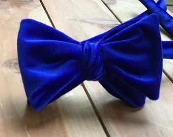 The Glasgow-Our big bowtie in royal blue velvet
