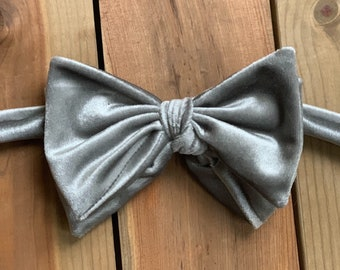 The Glasgow- Our big bowtie in silver velvet
