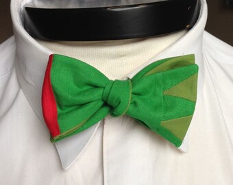 The Walt - Our Disney Inspired bowtie in Peter Pan colors
