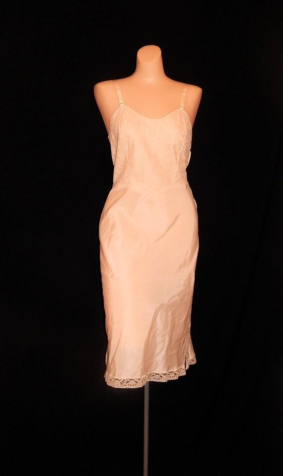 Beautiful vintage 50's cream nude lace negligee sl